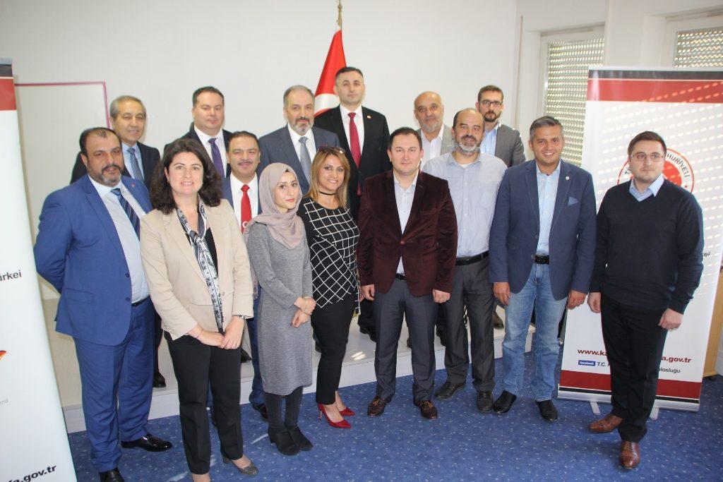 Mustafa Yeneroğlu 'Önceliğimiz anadil ve kültürel birikimin beslenmesi'
