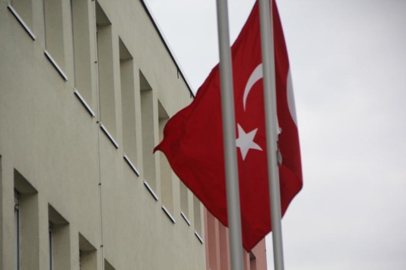 Karlsruhe Başkonsolosluğu Sözleşmeli Türk Uyruklu Sekreter Alacak