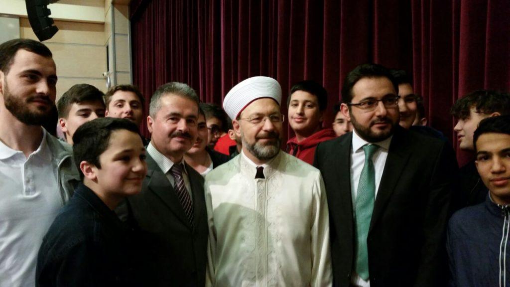 Gençler Diyanet İşleri Başkanı Erbaş'ı Ziyaret Etti.