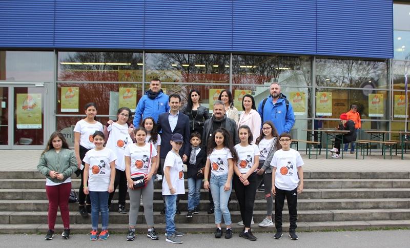 Başkonsolos Nevzat Arslan Basketbol Okulu Öğrencileriyle Birlikte Basketbol Maçı İzledi
