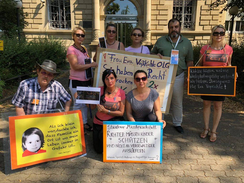 Taciz Skandalı Davası Karlsruhe'de Protesto Edildi