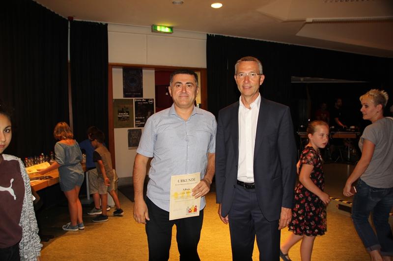 Çocuk Dostu Ödülü Yaşar Sekban'a