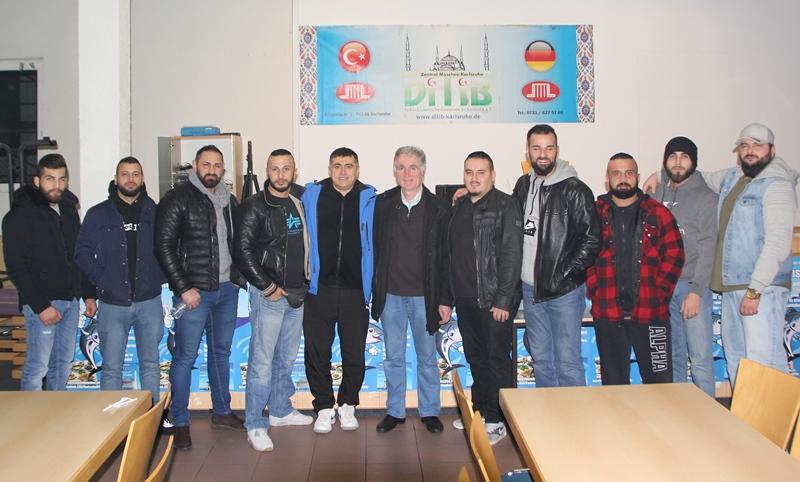 Şampiyon Kamacı DİTİB Merkez Camii'ni Ziyaret Etti