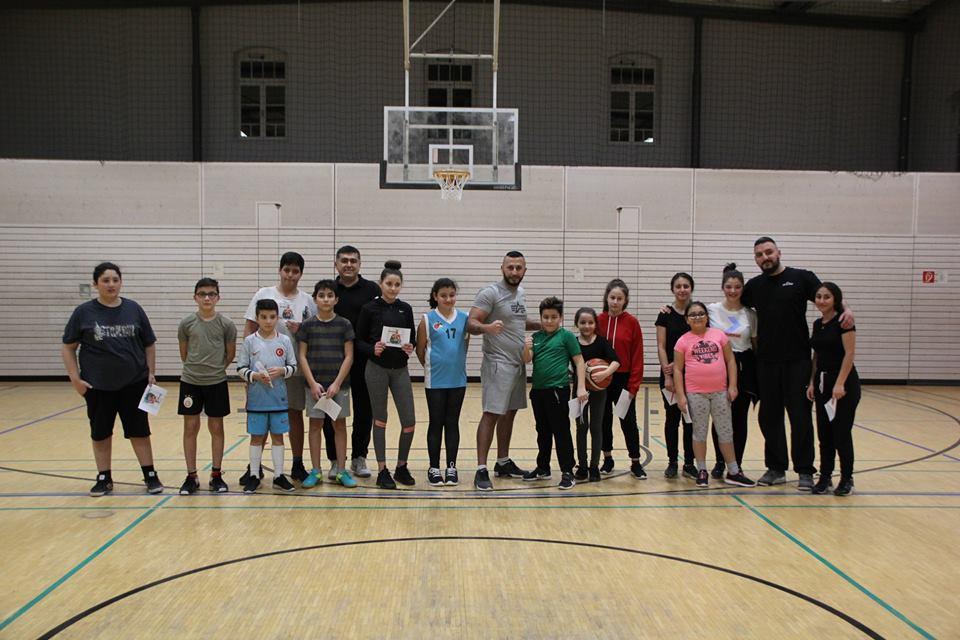 Kick Boks Dünya Şampiyonu Fatih Kamacı Basketbol Okulunu Ziyaret Etti