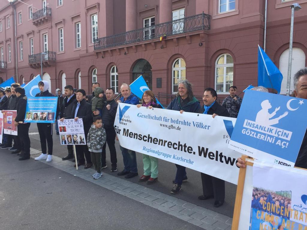Uygur Türk'ü Karlsruhe'den Haykırdı